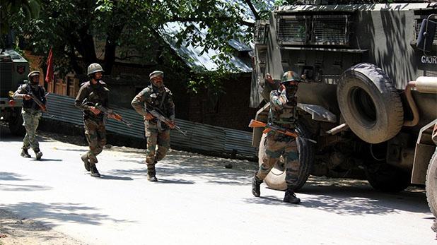 Jammu kashmir terrorist killed, राजनाथ सिंह के दौरे से पहले शोपियां में एनकाउंटर, सुरक्षाबलों ने 2 को मार गिराया