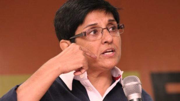 किरण बेदी, किरण बेदी की याचिका पर पुडुचेरी सरकार से SC ने मांगा जवाब, अगली सुनवाई 21 जून को