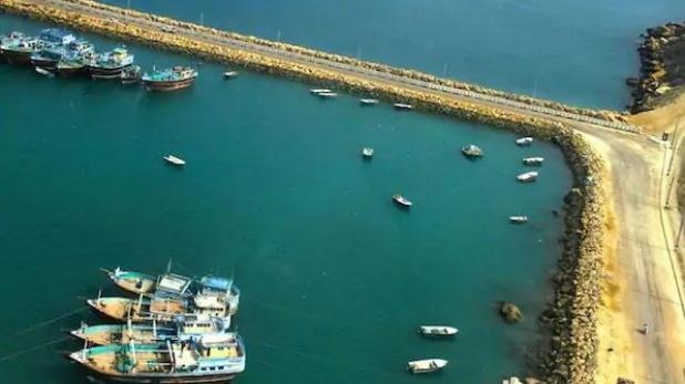 Iran Bushehr port fire, दक्षिणी ईरान के पोर्ट पर लगी भीषण आग, कम से कम 7 जहाज जले- रिपोर्ट्स