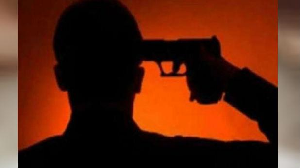 Bengal police constable shoots himself, कोलकाता की राइटर्स बिल्डिंग में पुलिसकर्मी ने सर्विस रिवॉल्वर से गोली मारकर दी जान