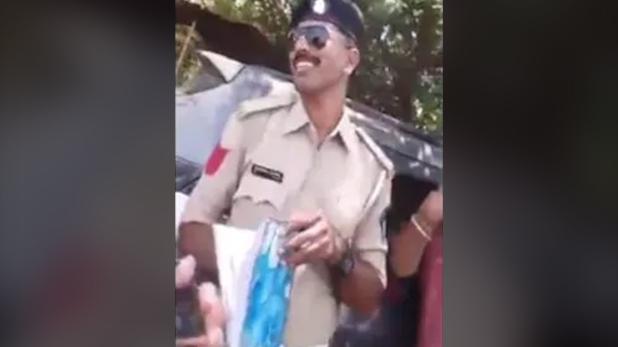 वीडियो, वीडियो में पीएम मोदी को दे बैठा गाली, पुलिस कॉन्स्टेबल सस्पेंड