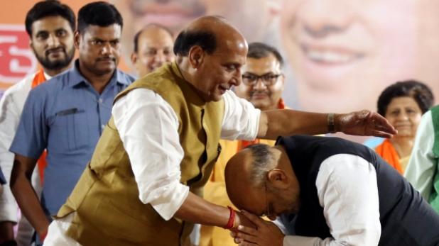 cabinet committee, अब राजनाथ सिंह को 6 केंद्रीय कैबिनेट कमेटियों में दी गई जगह, विवाद के बाद हुआ फेरबदल