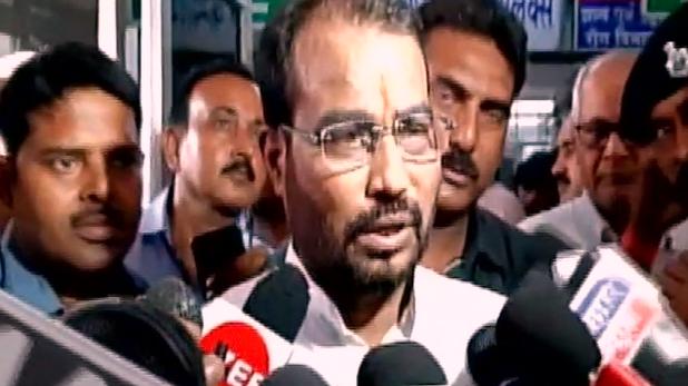 nitish kumar, इलाज जरूरी, CM का आना नहीं: नीतीश के मुजफ्फरपुर दौरे पर बोले मंत्री