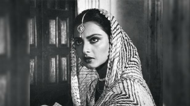 Coronavirus knocking at Bollywood actress Rekha's house, बॉलीवुड अदाकारा रेखा के घर Coronavirus की दस्तक, सिक्योरिटी गार्ड के पॉजिटिव पाए जाने पर बंगला सील