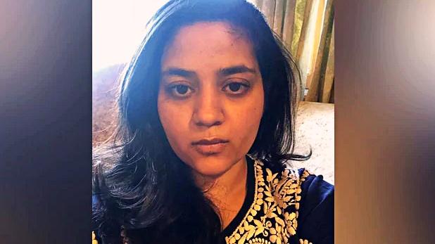 Mehbooba Mufti, महबूबा मुफ्ती की बेटी ने गृहमंत्री अमित शाह को लिखा खत, 'कश्मीरियों को पशुओं की तरह किया कैद'