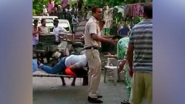 delhi police Tadipar accused, तड़ीपार को पकड़ने गई पुलिस, आरोपी ने आंखों में फेंका मिर्ची पाउडर