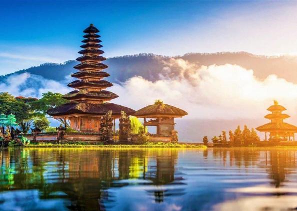 World Tourism Day, World Tourism Day: जेब में हों 40 हजार रुपये तो कर सकते हैं इन देशों का टूर