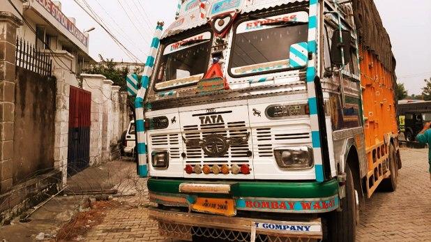 कठुआ, कठुआ: ट्रक से कश्मीर जा रहे तीन आतंकी गिरफ्तार, बांदीपोरा में भी दिखे 7 दहशतगर्द