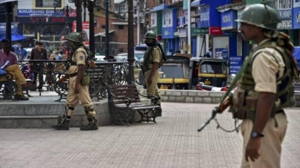 grenade attack in anantnag, J-K: अनंतनाग में DC ऑफिस के बाहर आतंकी हमला, घायलों की संख्या बढ़कर हुई 14
