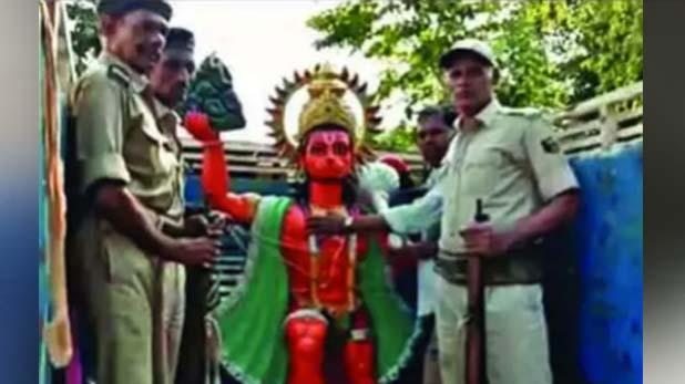 Bukkal Nawab, हनुमान को मुसलमान बताने वाले बुक्कल नवाब कर रहे हैं मंदिर में भंडारा