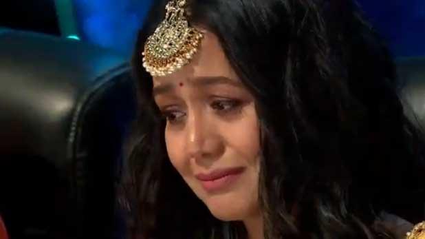 Indian Idol 11, Indian Idol कंटेस्टेंट की कहानी सुन रो पड़ीं नेहा कक्कड़, मीम बनाकर लोग कर रहे ट्रोल