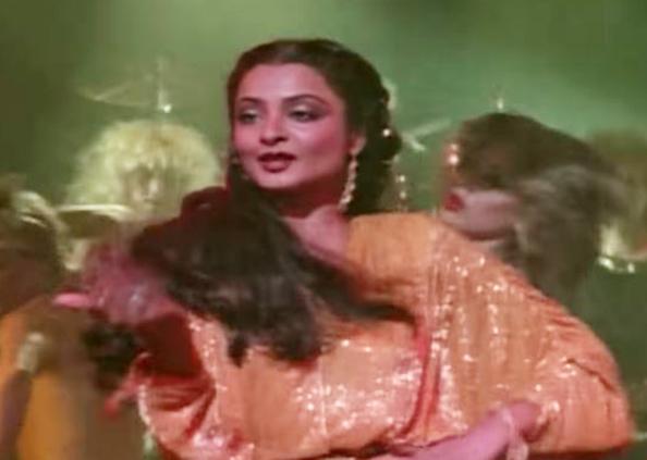 Nora Rekha, 33 साल बाद भी 27 की नोरा पर भारी हैं रेखा के डांस मूव्स, देखें तस्वीरें