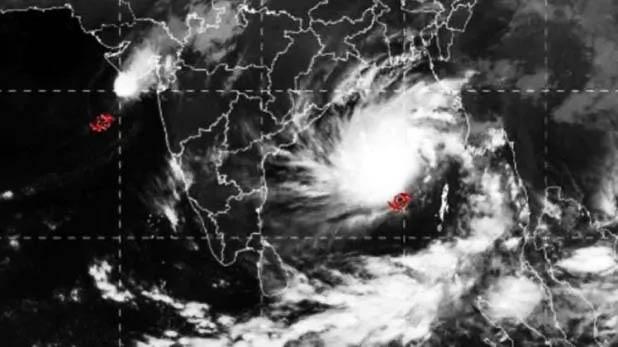 cyclone bulbul may take severe, भारत में मंडरा रहा चक्रवाती तूफान 'बुलबुल' का खतरा, मौसम विभाग ने किया अलर्ट