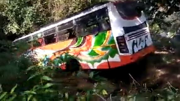 बस, आगरा: बस ड्राइवर की झपकी ने ली 29 लोगों की जान, CM ने 24 घंटे में मांगी रिपोर्ट