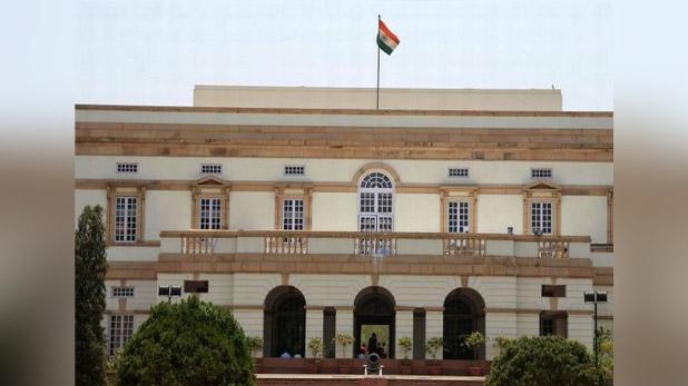 मल्लिकार्जुन खड़गे, केंद्र सरकार-CM बनने की चाहत रखने वाले गिराना चाहते हैं कर्नाटक सरकार: मल्लिकार्जुन खड़गे