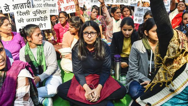 swati maliwal health, अनशन से बिगड़ी स्वाति मालीवाल की हालत, अस्पताल में चढ़ाया ग्लूकोज