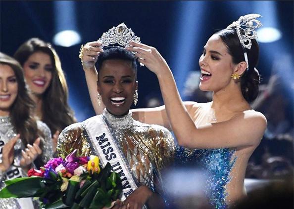 Zozibini Tunzi News, Photos : साउथ अफ्रीका की जोजिबिनी बनी Miss Universe 2019, दुनिया भर की 90 सुंदरियों को पछाड़ा