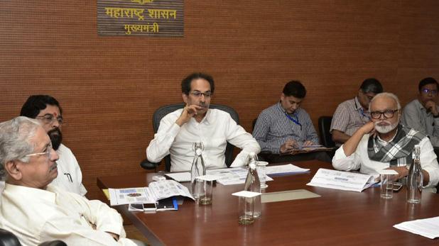Ministry divided in Maharashtra, सरकार गठन के 15 दिनों बाद महाराष्ट्र में बंटे मंत्रालय, जानें किसके हिस्से में गया कौन सा विभाग