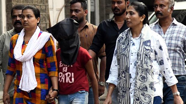 Adopted Daughter Murdered Father, 'परी' ने ही की थी अपने पापा की हत्या, पुलिस ने सुलझायी मुंबई के बीच पर सूटकेस में मिले शव की गुत्थी