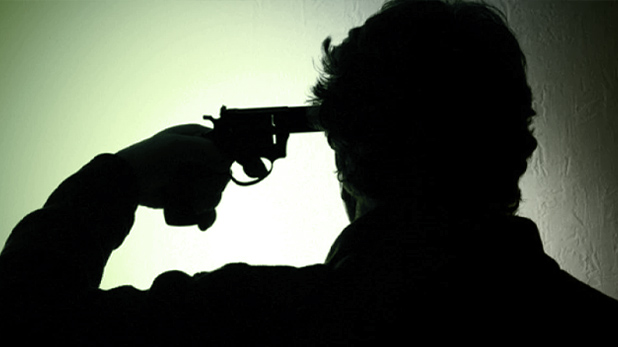 Man shot dead at Siwan railway station, गोली लगने पर कारोबारी ने पत्नी की गोद में तोड़ा दम, मदद करने की बजाय लोग बनाते रहे वीडियो