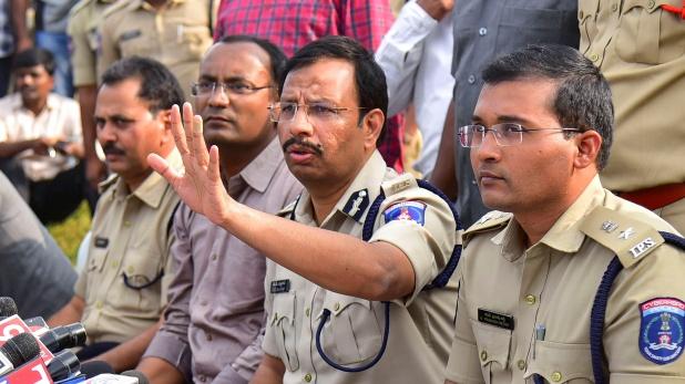 hyderabad four accused behind more crime, हैदराबाद एनकाउंटर : पुलिस को शक, तीन और राज्यों में ऐसी ही वारदातें कर चुके थे आरोपी