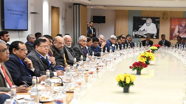 pm narendra modi, 5 ट्रिलियन इकॉनमी के लिए PM मोदी की खास बैठक, वित्त मंत्री नहीं आईं नजर