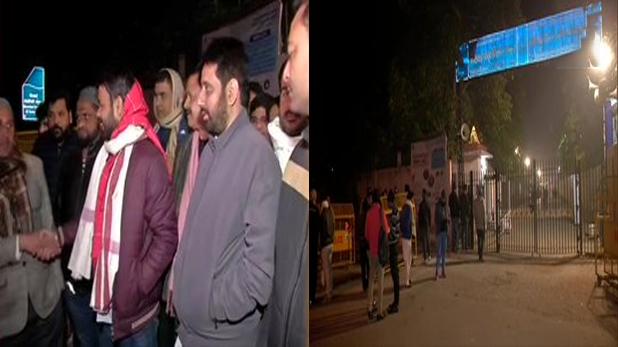 EVM का, VIDEO: कई जगह EVM पर उठ रहे सवाल, चुनाव आयोग ने कहा- सब सुरक्षित हैं