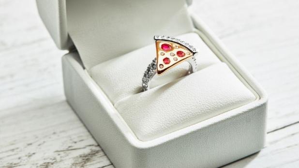 Domino's Pizza, पिज्जा खाने के शौकीन लोगों के लिए बुरी खबर, डोमिनोज समेट रहा है कारोबार