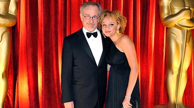 steven spielberg daughter porn star, पिता हॉलीवुड के सबसे मशहूर फिल्ममेकर्स में से एक, बेटी बनने जा रही पॉर्नस्टार