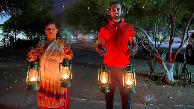 Aishwarya rai tej pratap, बहू ऐश्वर्या राय के धरने के आगे झुकीं राबड़ी देवी, दी घर में आने की इजाज़त