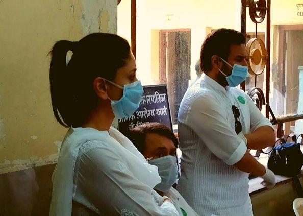 bollywood actor rishi kapoor, देखें ऋषि कपूर के अंतिम सफर की भावुक कर देने वाली तस्वीरें