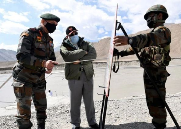PM Modi arrives in Ladakh troops are emboldened, PHOTOS: 'आपको जन्म देने वाली माताओं को नमन',  Galwan Valley में घायल सैनिकों से बोले PM मोदी