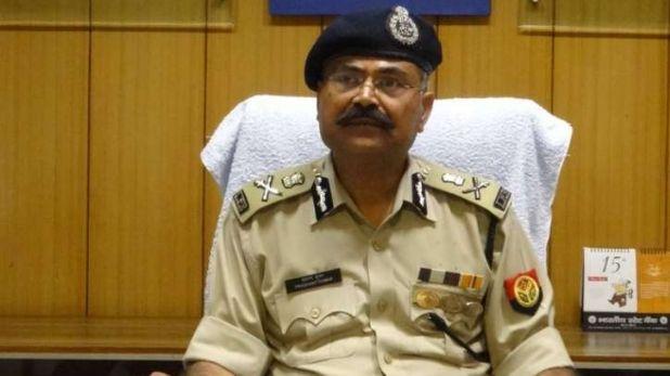 Rs 2.5 lakh reward placed on Vikas Dubey, Kanpur Encounter: विकास दुबे पर पुलिस ने घोषित किया ढाई लाख रुपये का इनाम, लगाए पोस्टर