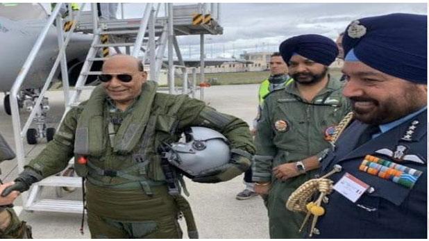 BSF पायलट, उड़ाना था गृहमंत्री का प्लेन तो किया फर्जीवाड़ा, BSF ने यूं पकड़ा केस