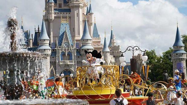 Disney World to reopen from saturday, कोरोना महामारी के बीच चार महीनों बाद खुल रहा है डिज्नी वर्ल्ड, मास्क के बिना नहीं मिलेगी एंट्री