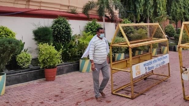 Kanpur Police Encounter, Latest Updates: विकास दुबे को लेकर निकली STF, कड़ी सुरक्षा के बीच लाया जाएगा UP