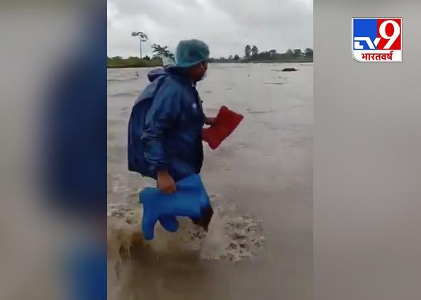 Heavy rain fall, तस्वीरों में देखिए बिहार, असम और देहरादून में बारिश की वजह से क्या हुआ हाल
