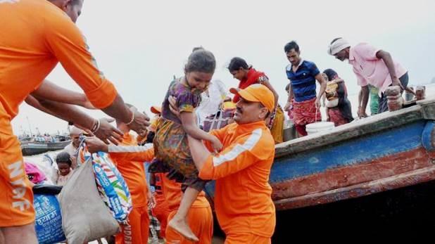 पटना में जल प्रलय, पटना में 'जल प्रलय' से मानव जीवन तहस-नहस, आपदा की बागडोर संभाले इस अधिकारी का टशन तो देखिए