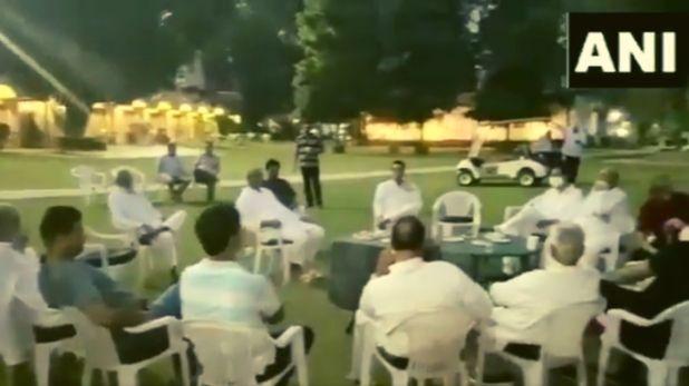Rajasthan Political Crisis Sachin Pilot released video, Rajasthan Political Crisis: पायलट ने मानेसर में रणनीति बनाते अपने विधायकों का वीडियो किया जारी