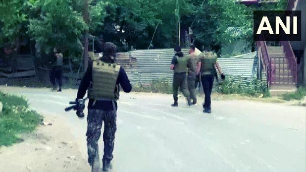 Sopore Encounter Let's Pakistani terrorist, Sopore Encounter: लश्कर के दो पाकिस्तानी आतंकी सहित तीन ढेर, IED ब्लास्ट की थी साजिश
