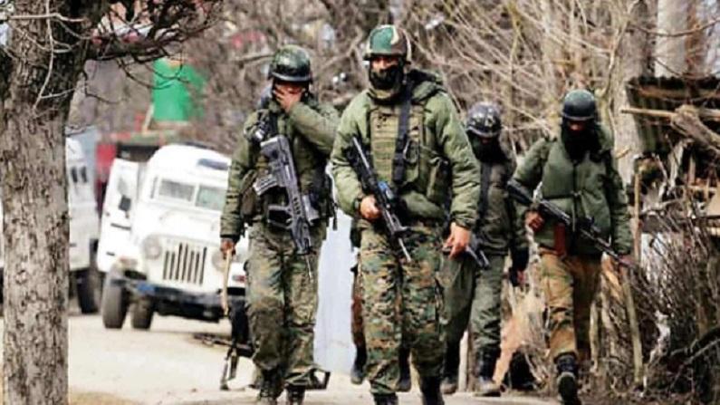 Jammu-Kashmir: पुलवामा बरसी पर सुरक्षाबलों को मिली कामयाबी, लश्कर से जुड़े दो संदिग्ध आतंकियों को किया अरेस्ट