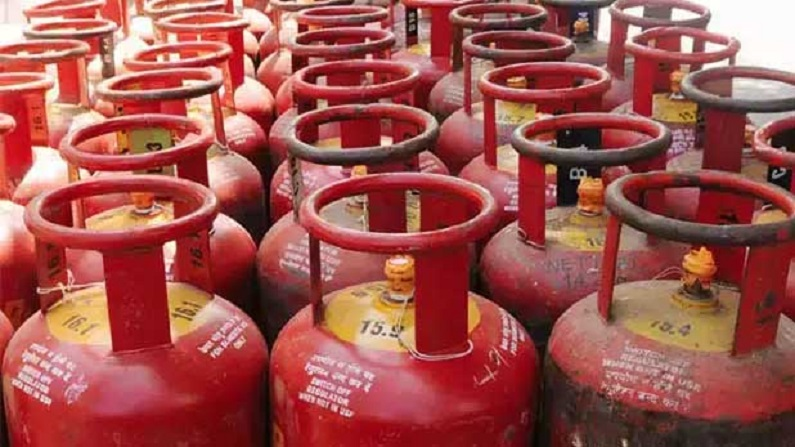 Government is going to distribute 1 crore free LPG connection, very soon gas cylinder rates will also be cheaper