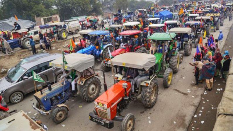 पांच घंटे, 5000 ट्रैक्टर और 5000 लोग, 'किसान गणतंत्र परेड' के लिए दिल्ली  पुलिस की ये हैं शर्तें   Delhi police terms and conditions for Kisan  Gantantra Parade