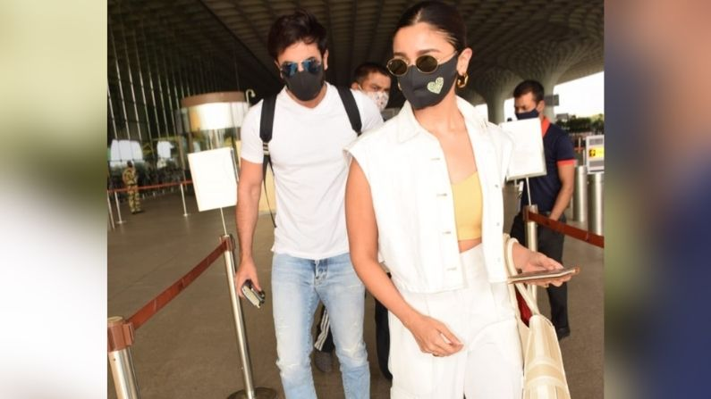 Ranbir Alia In Airport